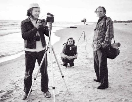 A.Macijauskas (kairėje), R.Požerskis, J.Kalvelis (1925-1987). Fotomenininkų sąjungos Fotografijų fondo nuotrauka