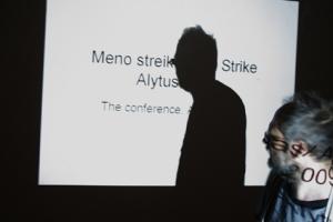 meno streikas konferencija
