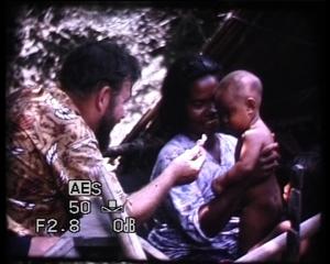 """kadras iš Tan Pin Pin videofilmo """"Nematomas miestas"""" (2007)"""