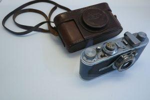 Pirmoji Bressono Leica